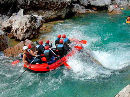Adventure Tours with Leading Peru Travel Tours: Adventure Tour in Cusco, River Rafting  in the Apurimac River  3Days/2Nights. The best tourist packages in Peru and South America.