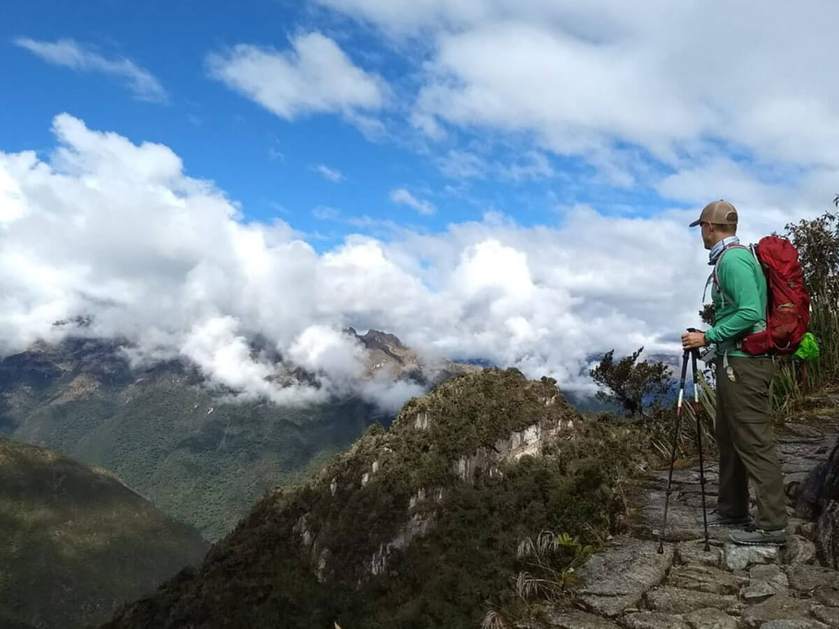 Adventure Tours Hiking to Machu Picchu Tours: Short Inca Trail –  to Machupicchu 2 Days/1 Nights. The best tourist packages in Peru and South America.