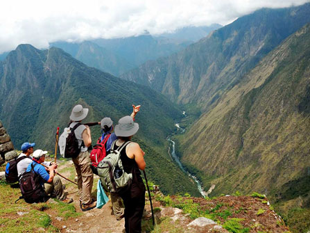 Adventure Tours walking to Machu Picchu Tours: Camino Inca clasico 4D/3N. The best tourist packages in Peru and South America.