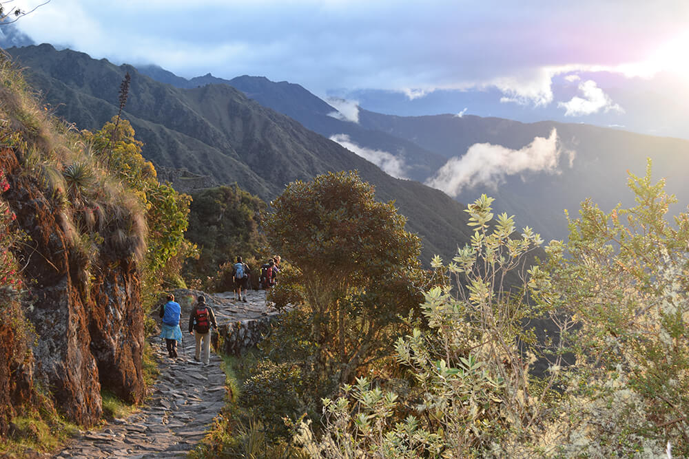 Adventure Tours Hiking to Machu Picchu Tours: Classic inka trail Inca Trail 4Days/3Night. The best tourist packages in Peru and South America.
