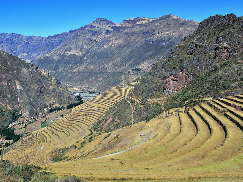 Cusco Tours: Trek Sacred Valley with overnight in Machupicchu3Days / 2Nights. The best tourist packages in Peru and South America.
