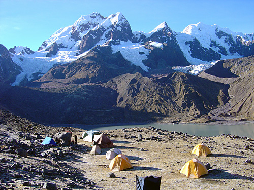 Adventure Tours Hiking to Machu Picchu Tours: Ausangate Trek 4 days / 3 nights | Peru Cusco Trek Machu Picchu Adventure. The best tourist packages in Peru and South America.