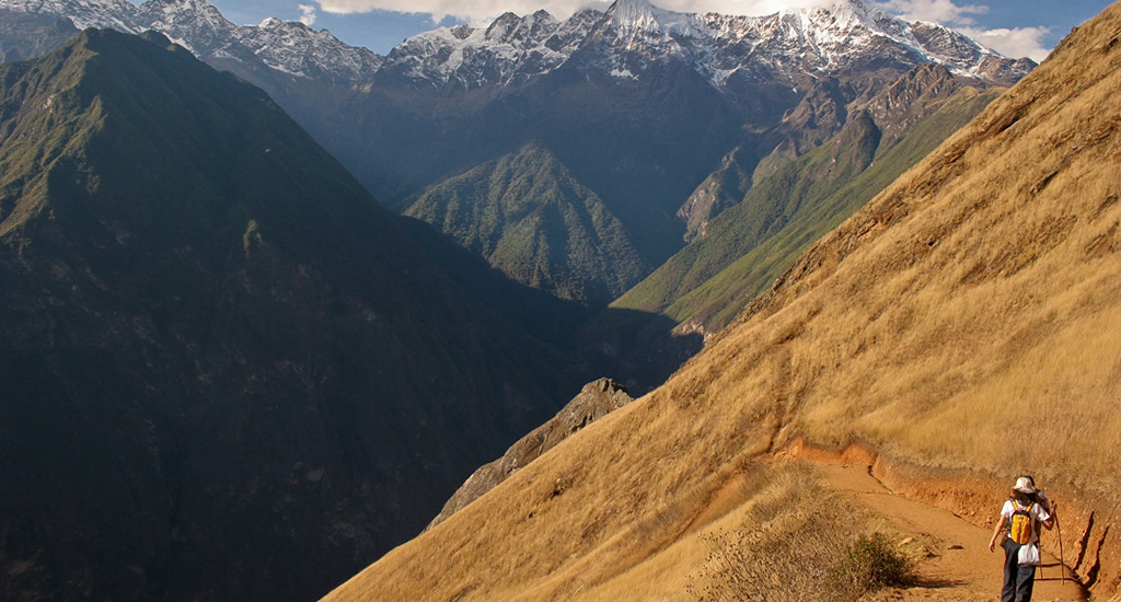 Adventure Tours Hiking to Machu Picchu Tours: Choquequirao Trail 5 Day/4 Night Trek. Daily Departures.. The best tourist packages in Peru and South America.