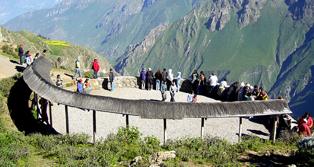 Arequipa Tours: Visit Arequipa, Colca Canyon and Cruz del Condor  2 Days. The best tourist packages in Peru and South America.