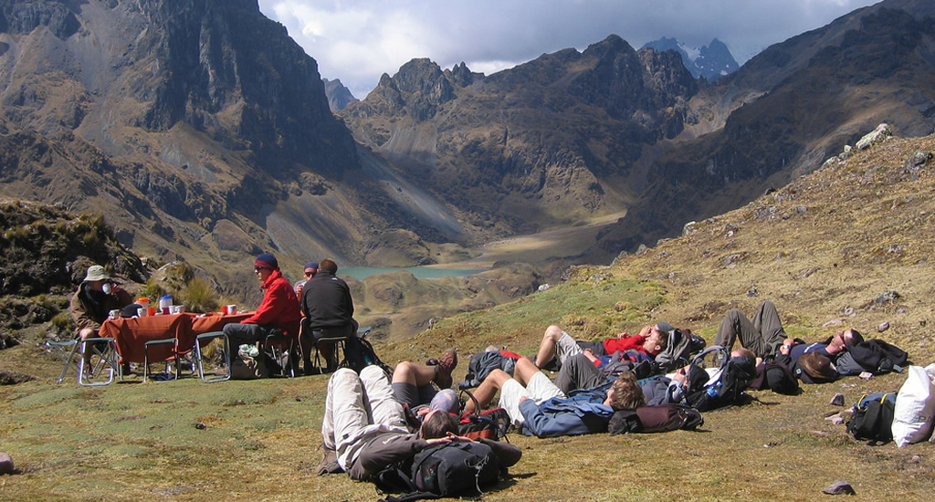 Adventure Tours walking to Machu Picchu Tours: Lares trek to Machu Picchu  4 Days And 3 Nights. The best tourist packages in Peru and South America.