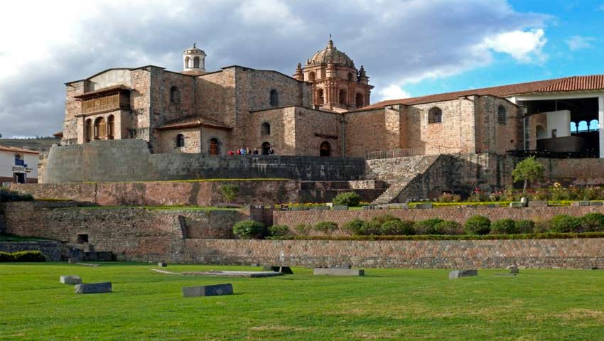 Cusco Tours: City Tour Cusco and Outskirts one day:The Catedral, Koricancha, Sacsayhuaman, Quenqo, PucaPucara.. The best tourist packages in Peru and South America.